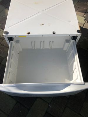 Washer and dryer drawers for front loaders. for Sale in Whittier, CA