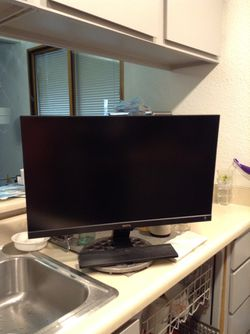 """*LOW PRICE MOVING* BENQ FULLY FUNCTIONAL LARGE 29"""" MONITOR for Sale in Seattle,  WA"""
