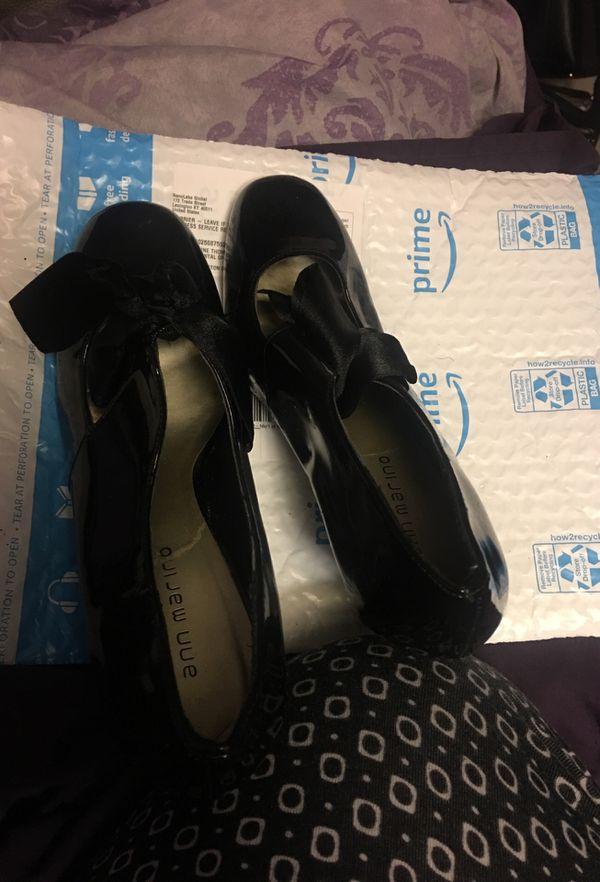Black leather heels size 9
