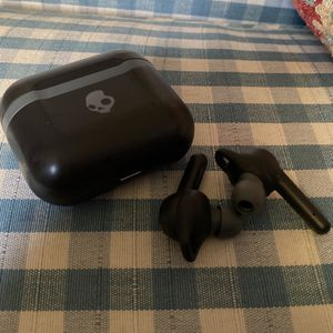 Skull Candy Bluetooth Earbuds for Sale in Phoenix, AZ