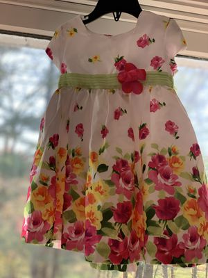 Very little girl flowers dress size 18mo for Sale in South Windsor, CT