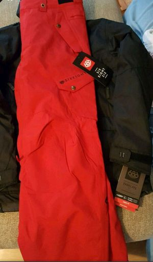 686 snowboarding jacket and pants for Sale in North East, PA