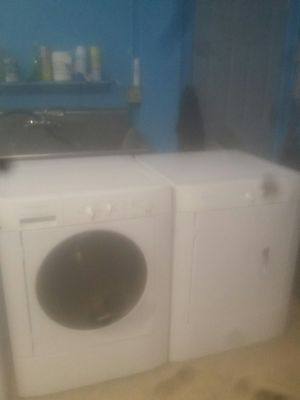 washer and dryer frigidaire setc for Sale in Chicago, IL