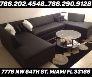 Large U sectional couch sofa for Sale in Medley, FL