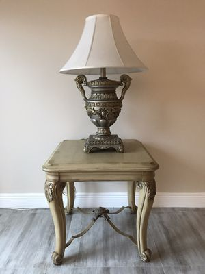 End - Table and Lamp for Sale in Hialeah, FL