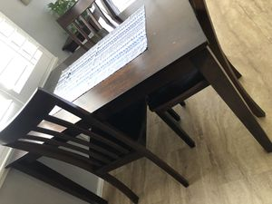 Kitchen table for Sale in Pasadena, CA