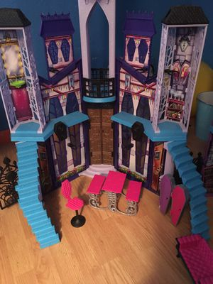 Monster high doll house for Sale in Avon Park, FL