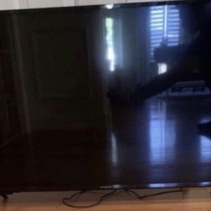 "43"" Polaroid TV with Google Cast and Stand for Sale in Quincy, MA"