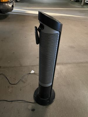 Wirking tower fan with remote for Sale in Lakewood, CA