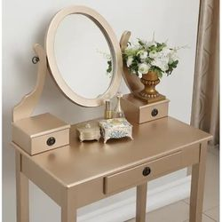 Gold Vanity & Stool Set for Sale in Bowie,  MD