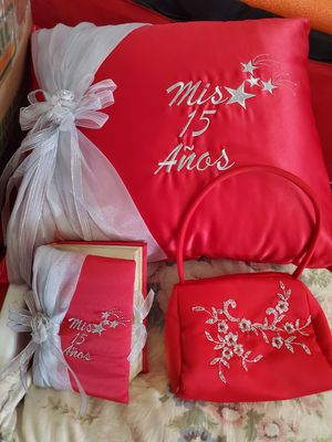 SWEET 15 RED PILLOW PURSE AND BIBLE $40.00 for Sale in Fontana, CA