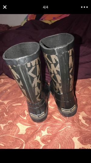Toddler size 5 Michael Kors rain boots for Sale in Cleveland, OH