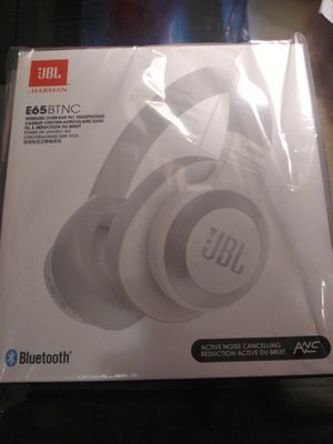 JBL Bluthooth Wireless Headphones for Sale in St. Louis, MO