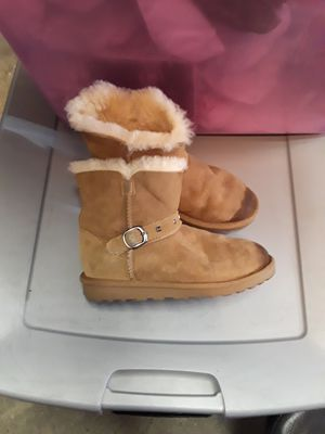 Girl boots for Sale in Lemon Grove, CA