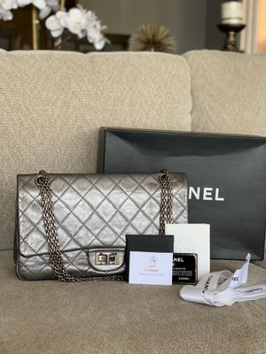 Authentic Chanel reissue complete for Sale in Skokie, IL