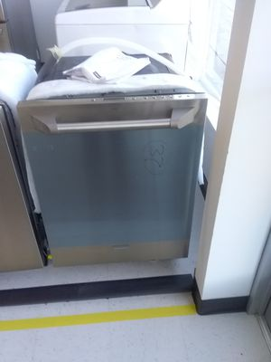Monogram dishwashers new scratch and dents good condition 6 months warranty for Sale in Mount Rainier, MD