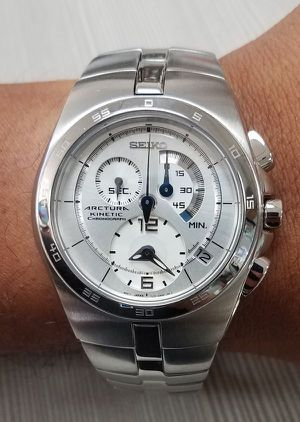 SEIKO Arctura KINETIC SNL001 Watch. for Sale in Long Beach, CA
