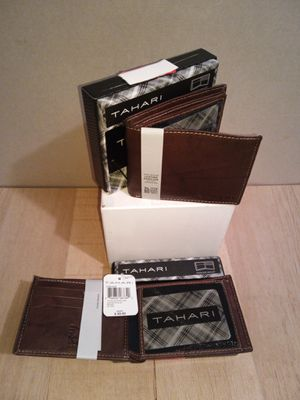 Brown Tahari Leather Wallets $20 each for Sale in Greenbelt, MD