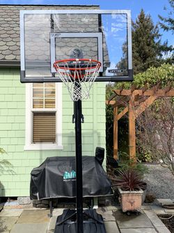 """Lifetime 52"""" Portable Basketball Hoop for Sale in Seattle,  WA"""