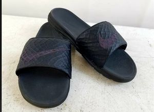 Nike Men's Benassi Solarsoft Size 10 Slides Black Anthracite 705474-091 Sandals for Sale in Orlando, FL