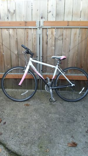 Womens bike, Giant for Sale in Portland, OR