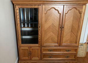 Good condition TV/ 2 shelf/ 2 drawer cabinet.... Make an offer. MUST SELL. for Sale in Woodbridge, VA