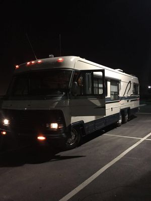 Motor home 1987very low mileage, new tires really good interior motor and trans runs perfectly. for Sale in Corona, CA