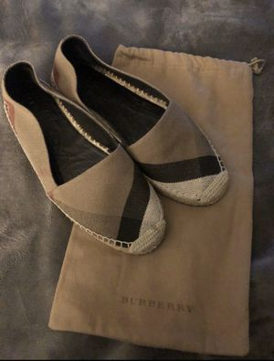 Burberry size 39 $120 for Sale in Ceres, CA