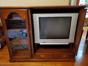 FREE ENTERTAINMENT CENTER AND MORE for Sale in East Alton, IL
