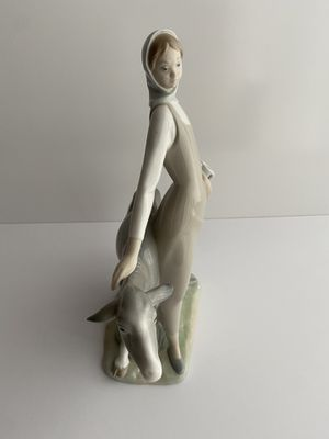 Lladro Girl Holding Jug With Goat for Sale in Miami, FL