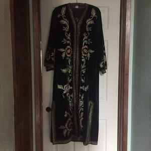 Elegant Black Velvet Robe for Sale in Arroyo Grande, CA