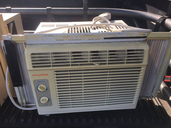 Sylvania Air conditioning AC Window Unit