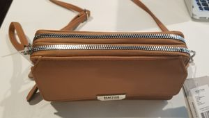 Kenneth Cole Reaction Convertible Wallet for Sale in Austin, TX
