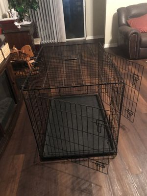 Large dog crate for Sale in Kissimmee, FL