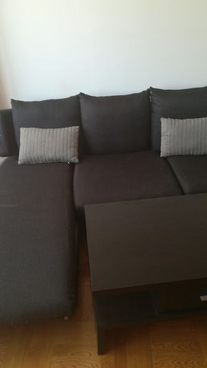 Black fabric sectional couch with throw pillows for Sale in New York, NY