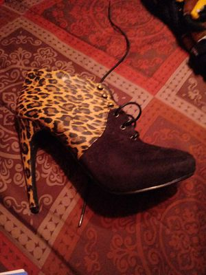 Leopard short ankle boot heels size 9 for Sale in St. Louis, MO
