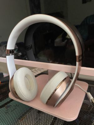 Beats Solo Wireless Headphones (Rose Gold) for Sale in Baltimore, MD