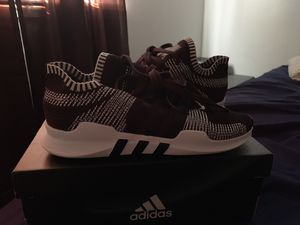 2 adidas shoes for Sale in Wichita, KS