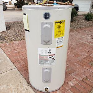 Water heater - FREE for Sale in Phoenix, AZ