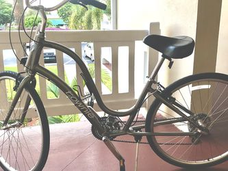 Townie Ladies Like New for Sale in Lake Worth,  FL