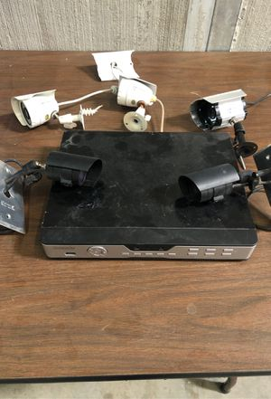 Zmodo 4 channel security camera system with 5 cameras for Sale in Phoenix, AZ