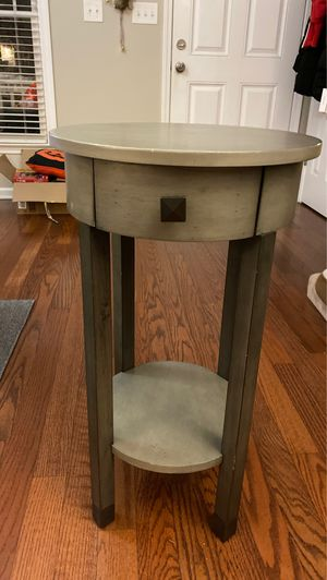 Bed Side Table for Sale in Apex, NC