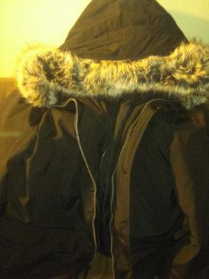 Micheal kors parka faux fur outdoor heavy coat for Sale in Hayward, CA