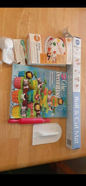 Cake Decorating Bundle for Sale in Grover Beach, CA