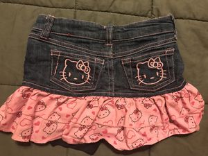 Hello Kitty Jean skorts size 2t for Sale in Katy, TX