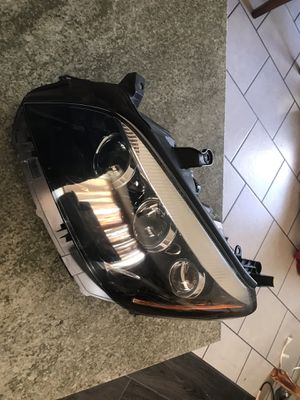 2014 Toyota RAV4 headlights used oem L for Sale in Lawndale, CA