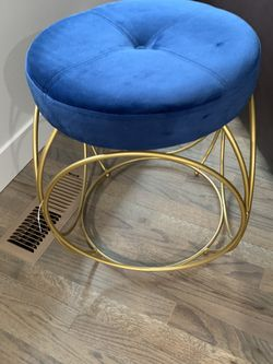 Modern chair for Sale in Federal Way,  WA