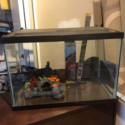 20 Gallon Fish Tank for Sale in Phoenix,  AZ