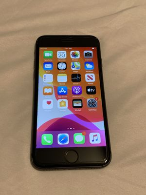 iPhone 8 Unlocked 64gb for Sale in Lyndhurst, OH