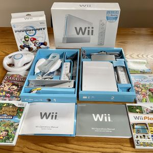 Nintendo Wii White With Many Extra's for Sale in Addison, IL